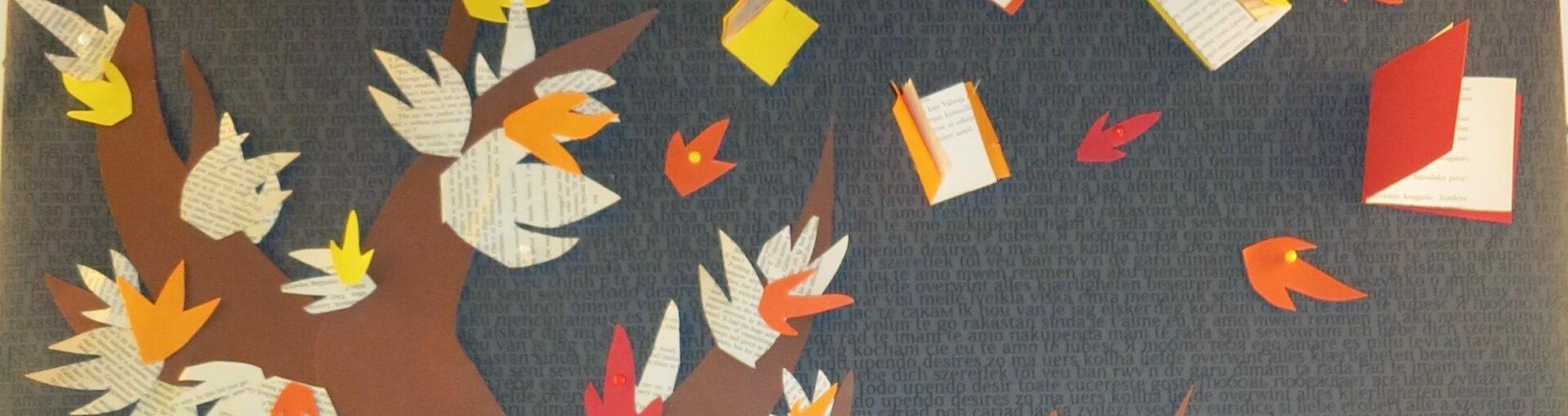 Askarreltu kuva puusta, josta tuulessa irtoaa kirjoja